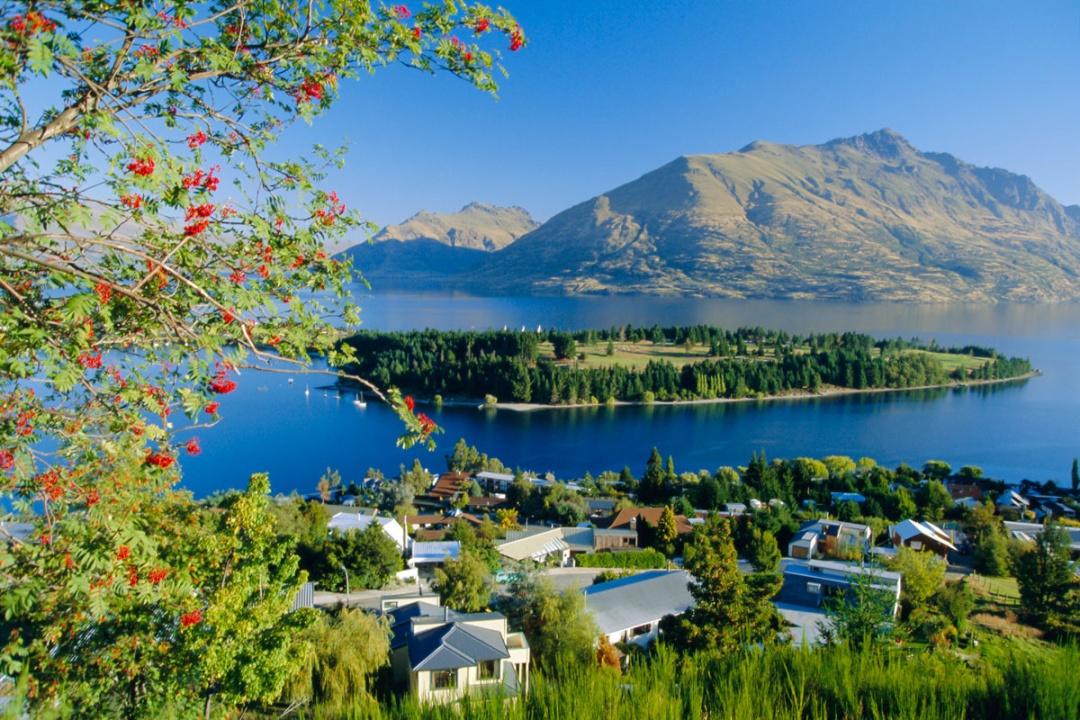 http://www.traveler.es/viajes/rankings/galerias/50-paisajes-donde-siempre-deberia-ser-primavera/443/image/21082
