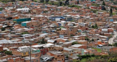 1.-LAS-VIOLETAS-Daniel-Pineda-1043x560